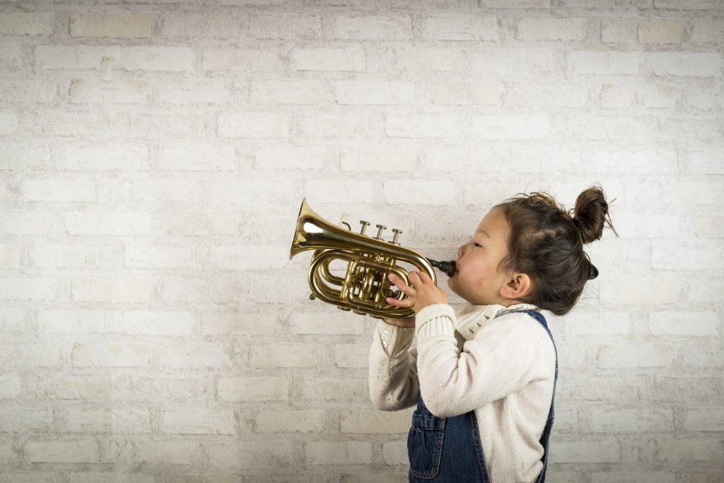 Renforcer l'attention des enfants en musique